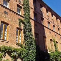 Der schöne Innenhof des Hotel Fabrik